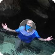 شنا در آب سرد توسط محمد افلاکی با میدان انرژی
